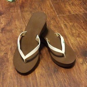 Womens sanuk wedge flip flops size 7